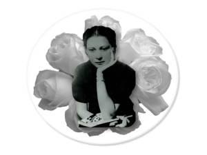 Julia sobre rosas